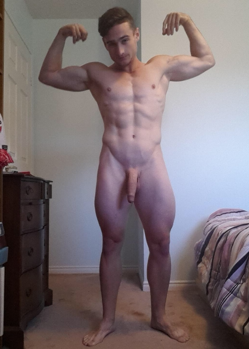 Muscle Boy Big Cock